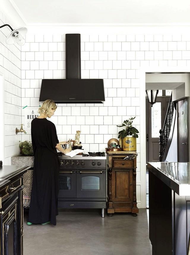 inside-an-interior-designer-and-models-beautiful-swedish-home-1622447-1452738396.640x0c
