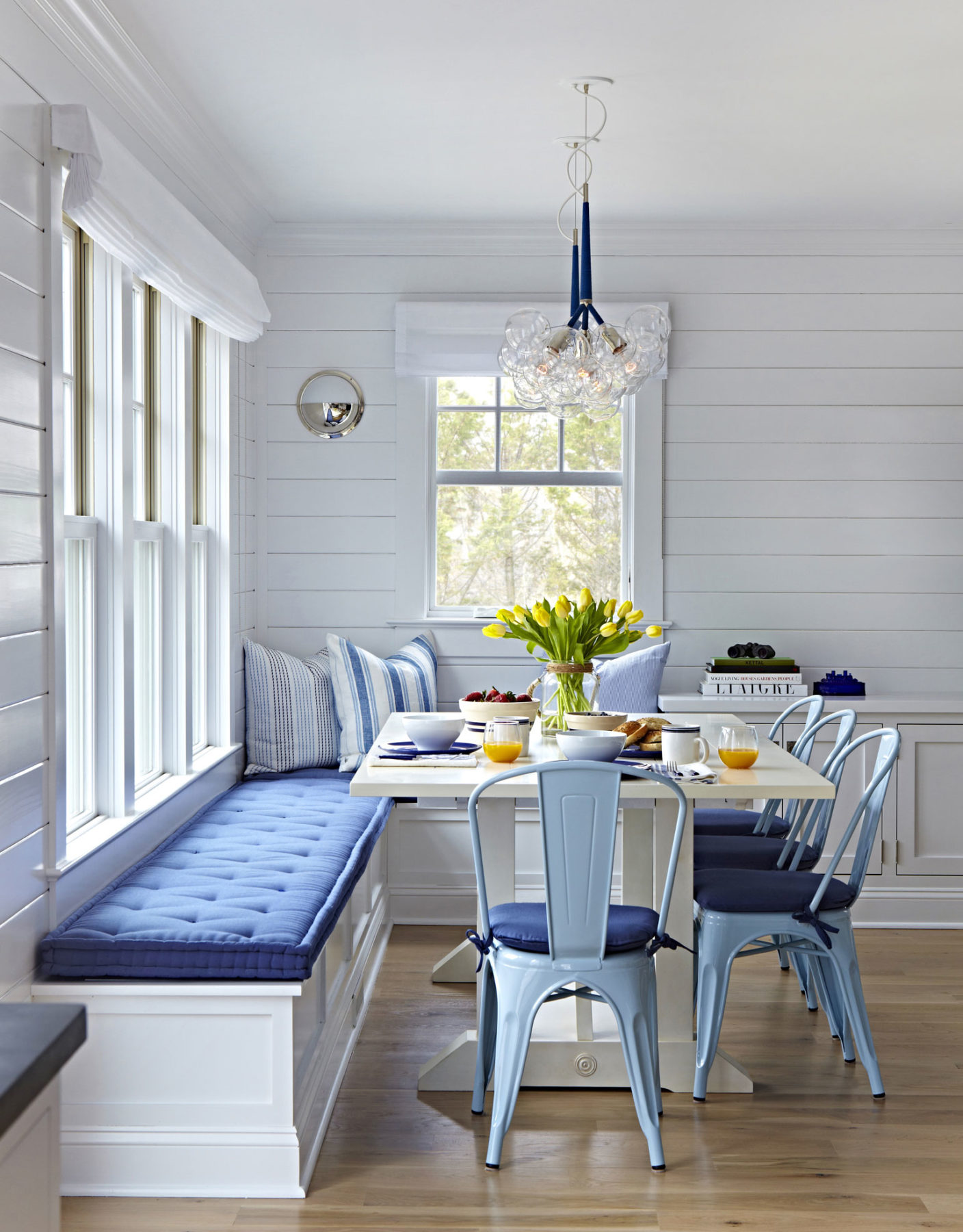 39-bay-head-beach-bungalow-by-chango-co-dining-nook-front-view